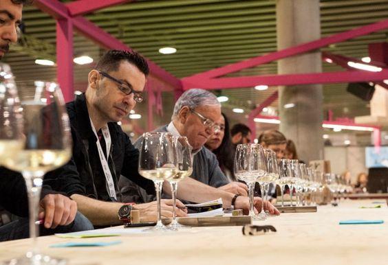 """Sébastien Andrés, responsable de Nomacorc: """"No son tapones de plástico para vinos baratos"""" https://www.vinetur.com/2014040914915/sebastien-andres-responsable-de-nomacorc-no-son-tapones-de-plastico-para-vinos-baratos.html"""