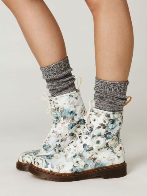 doc martens floral and sock on pinterest. Black Bedroom Furniture Sets. Home Design Ideas