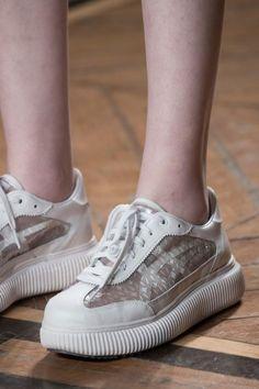 Pretty Women Sneakers 2019