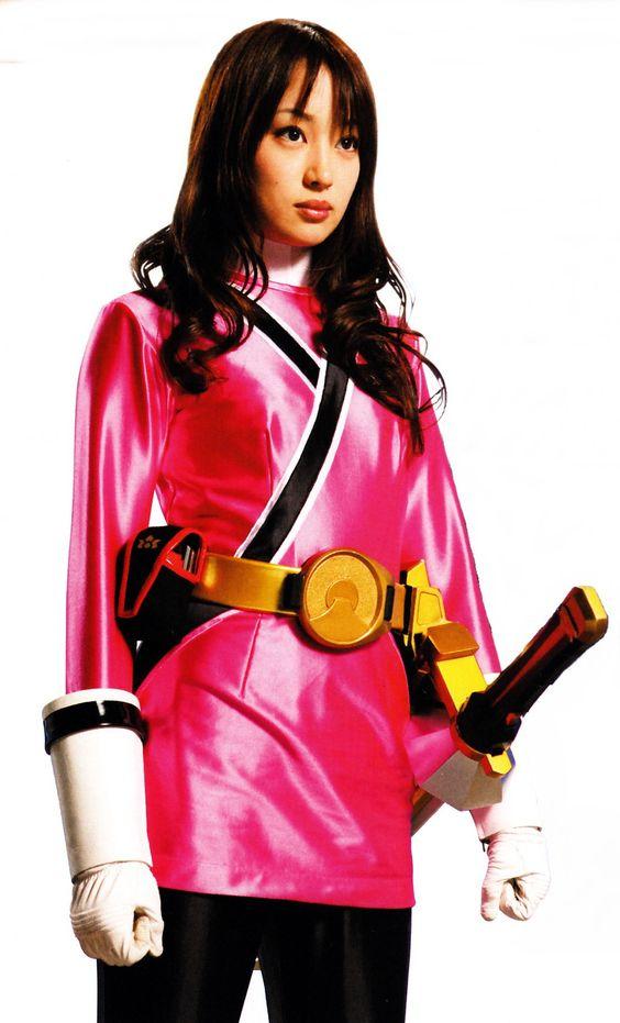 侍戦隊シンケンジャーの衣装を着ている高梨臨のかわいい画像