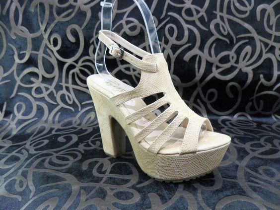 Sandalia alta para dama
