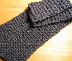 New to Knitting? Heres a Perfect First Scarf Pattern Garter, Knitting ...
