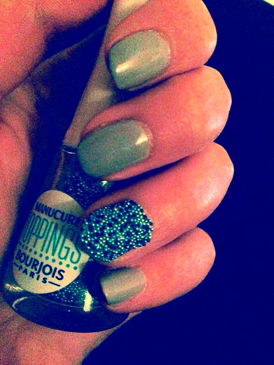#nails #manicure #easy #simple #grey #blue #toppings #burjois