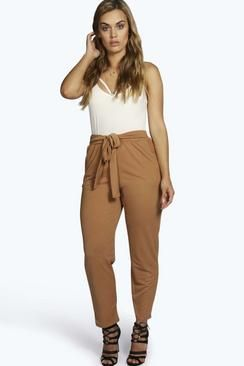 Plus Size Clothing & Fashion | Dresses, Tops, Skirts & Jeans | boohoo
