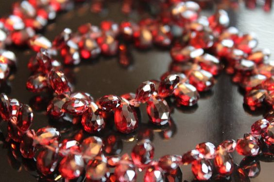 6 beads: AAA Red Garnet Faceted Pear Briolettes, Size 6 - 8 mm Approx (GM1503FP)