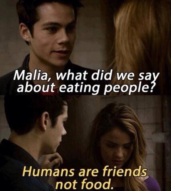 Oh, these two are going to be entertaining this season... Lol - Teen Wolf - Malia (Shelley Hennig) Stiles (Dylan O'Brien) bhahahahah