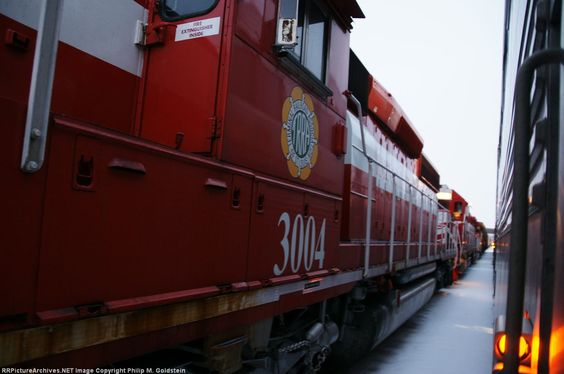 TRRA 3004   Description:    Photo Date:  1/10/2014  Location:  St. Louis, MO   Author:  Philip M. Goldstein  Categories:    Locomotives:  TRRA 3004(SD40-3)