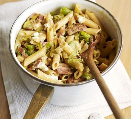 Cheesy leek & bacon pasta. A creamy and comforting quick pasta recipe, ideal for when you're short on time