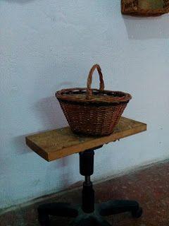 Nico, el artesano de mimbre, anea, rejilla, cuerda y caña: Cesta para setas en color oscuro