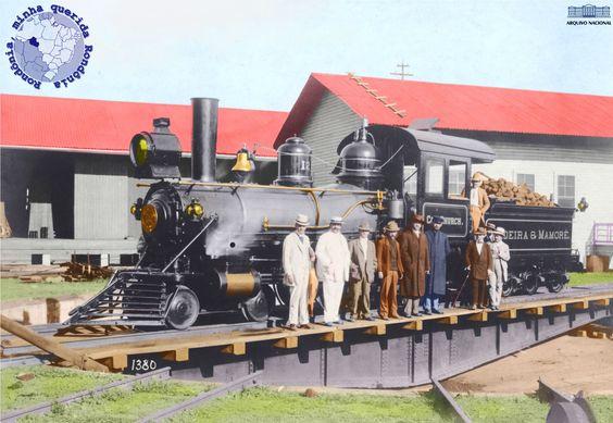 Locomotiva nº 12 coronel Church na rotunda da EFMM em 1912 Cromo colorizado por Luis Claro.