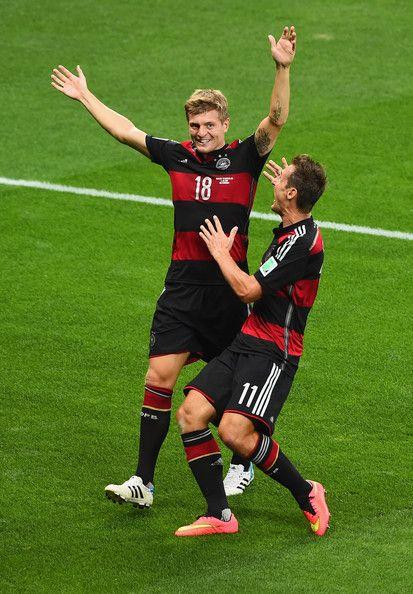 Miroslav Klose And Toni Kroos Photos Photos Brazil V Germany Toni Kroos Miroslav Klose Football
