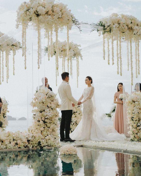 #luxury #ceremony #beautiful #Wedding #outdoorceremony #indoorceremony #beach #garden #florals