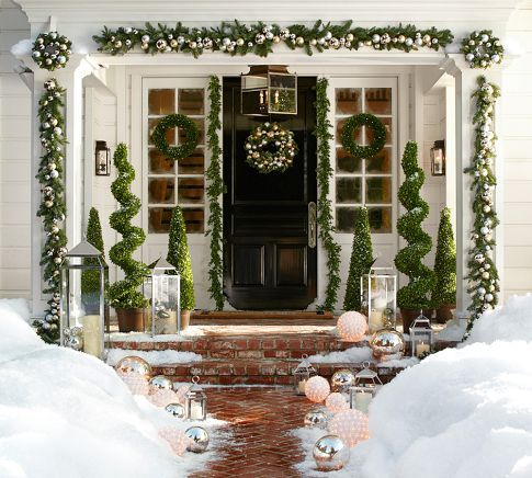 Front door Christmas decor: Christmas Decoration, Christmas Idea, Christmas Outdoor, Happy Holiday, Christmas Door
