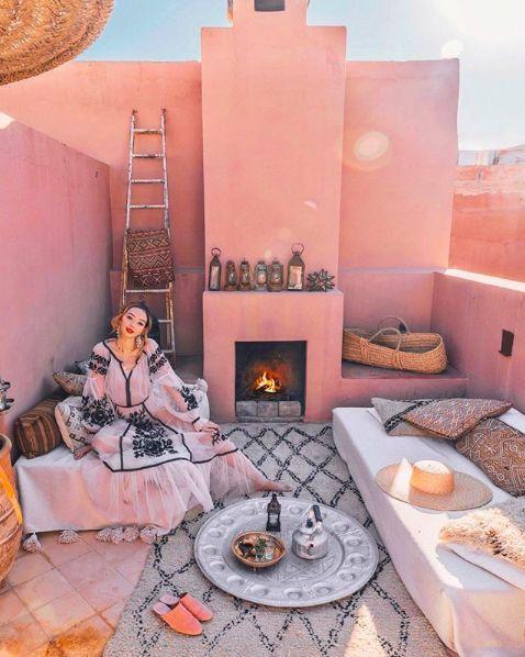 تارا في لا ميزون في مراكش ، المغرب