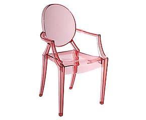 Saiba como usar uma cadeira Louis Ghost transparente ou colorida na decoração! Cadastre-se no WESTWING e aproveite nossos descontos exclusivos de até 70%!