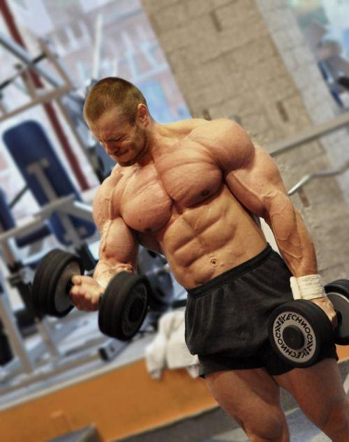 wrestledaddy: builddudebuild: Stefan Havlik Fabulous