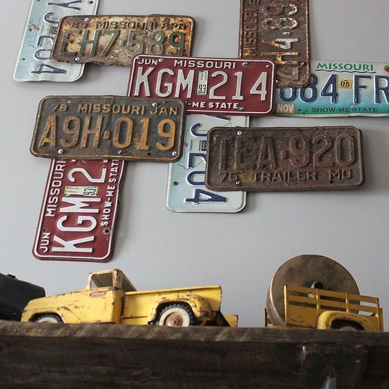 Boy's Vintage Car Bedroom