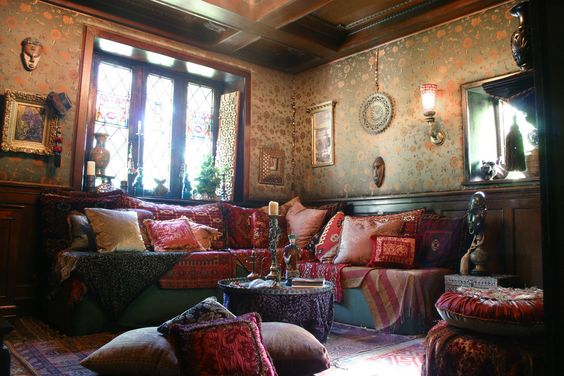 love this gypsy boho living room would want to take these elements