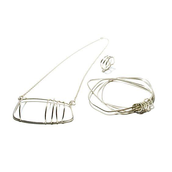 EMD joaillière / Emilie dell Aniello - Collection Sur le fil   (petites séries)  Collection Sur le fil  Collier, Argent 925/ Bague, Argent 925 / Bracelet,  Argent 925.:
