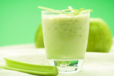 Lots of Info on GREEN SMOOTHIES.  Oh, how I love green smoothies.  I want to read here to find out more reasons to love them.