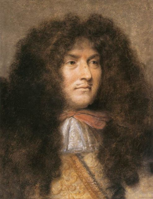 1665.Louis XIV of France.Шарль Лебрен.При Короле-Солнце абсурд придворн.этикета перерос все границы.Его,как рой,окружало несметн.число придворных.Размах,с к-рым жил Людовик,не укладывался ни в какие рамки.Только вельмож, что управляли кухней,было 96 чел.,а весь персонал при приготовлении трапезы и вовсе насчитыв.400 человек!Столы ломились от изобилия вкусностей,но при этом Король-Солнце продолжал есть мясо и рыбу,приготовленную в вине, руками,так и не научившись пользоваться столовыми приборами.