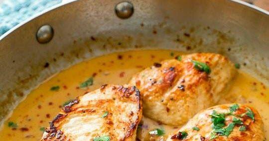 Ingredientes 4 Pechugas De Pollo Deshuesadas Y Sin Piel 1 4 Cucharadita De Sal 1 4 Cucharadita De Pimie Pollo Pollo En Salsa Pechuga De Pollo En Salsa