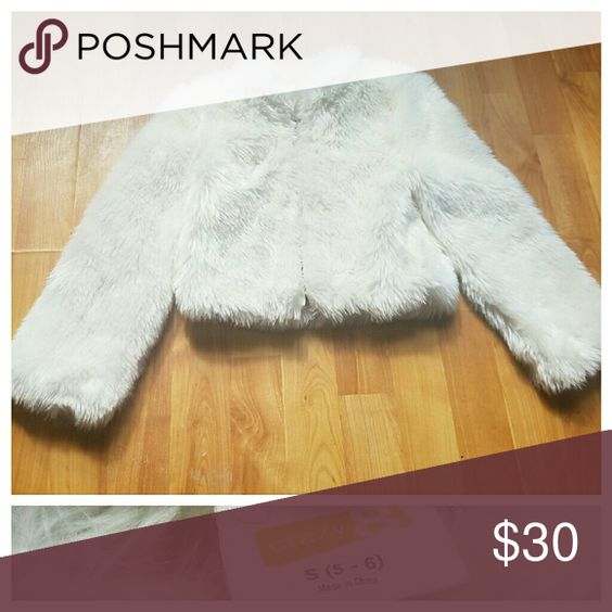 Holiday Jacket White faux fur (zipper) Crazy 8 Jackets & Coats Capes