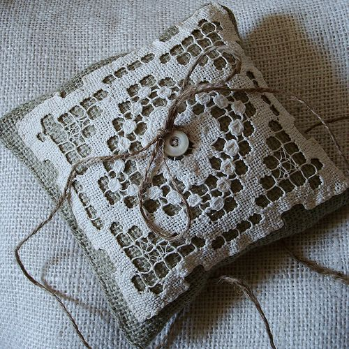 burlap and lace pillow: