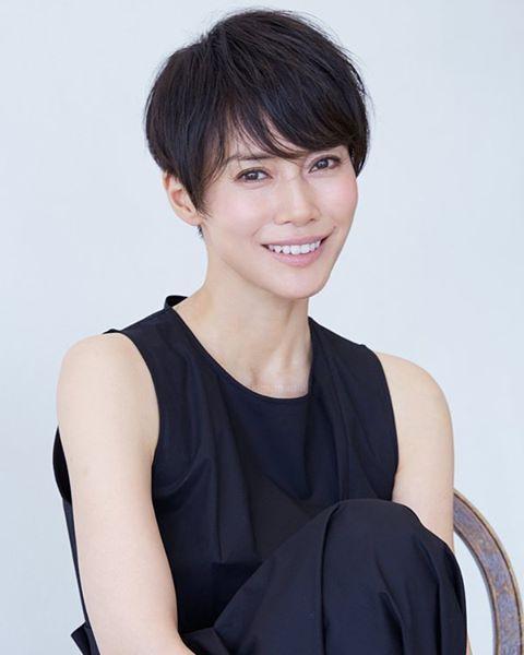 中谷美紀最新の美しいショートカット画像