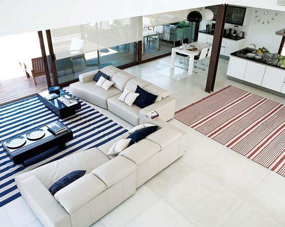 Una casa minimalista abierta al exterior