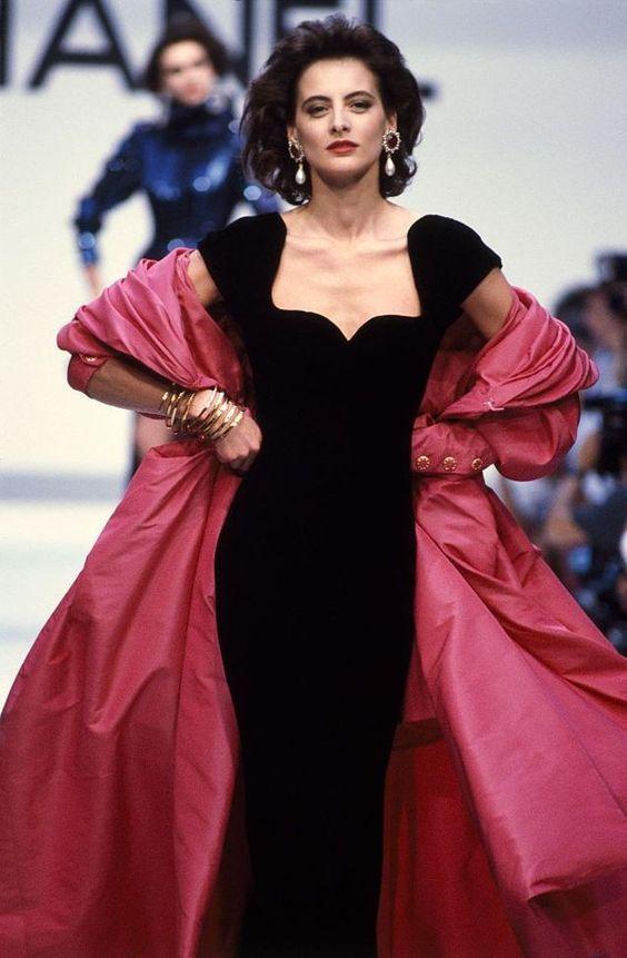 Ines de la Fressange au défilé Chanel Haute Couture Automne Hiver 1987-1988