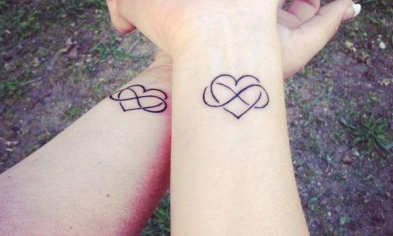 Tatuajes De Infinitos Significado Tipos 1300 Fotos Tatuajes De Infinito Tatuaje Infinito Disenos De Tatuaje Para Parejas