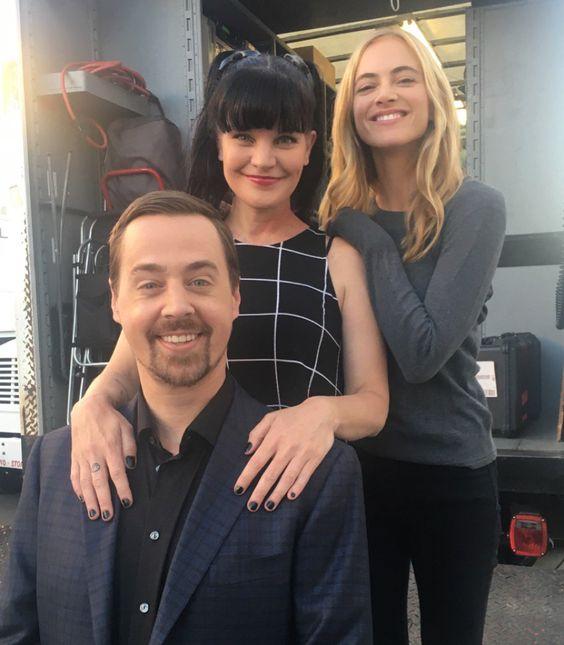 Sean, Paulley a Emily