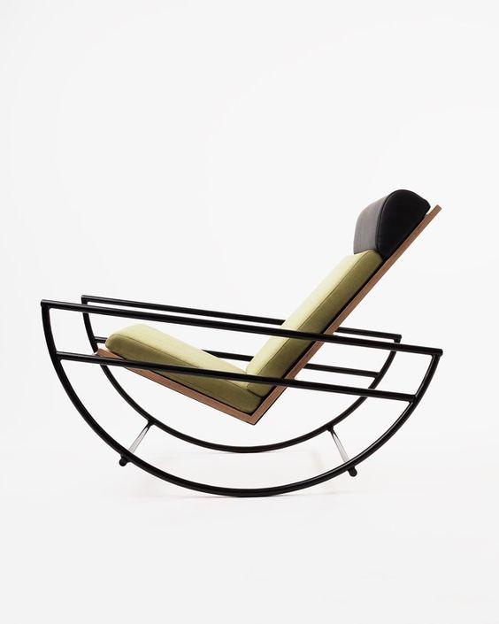 Moderne Chaiselongue mit weichem Polster, Kopflehne