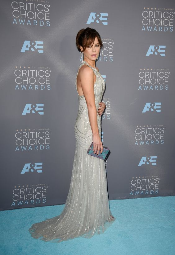 Kate Beckinsale in Monique Lhuillier at 2016 Critics' Choice Awards