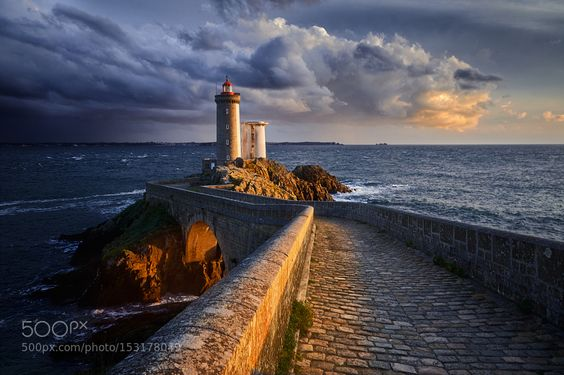 Follow the light by Denis009. Please Like http://fb.me/go4photos and Follow @go4fotos Thank You. :-)