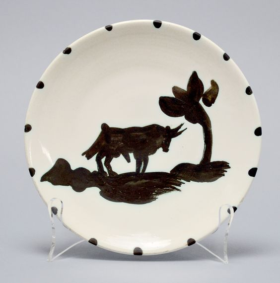 Ceramic plate by Pablo Picasso, Taureau sous l'arbre (Bull Under the Tree), 1952 at Masterworks FIne Art.