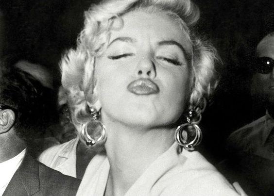 Un beso de Marilyn Monroe.