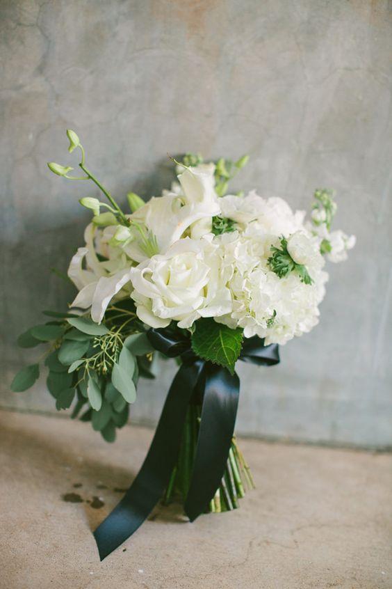 modern chic atlanta wedding the natural floral arrangements and wedding. Black Bedroom Furniture Sets. Home Design Ideas
