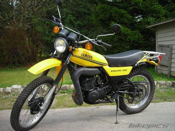 1979 yamaha enduro dt 100 vintage yamaha enduros pinterest. Black Bedroom Furniture Sets. Home Design Ideas