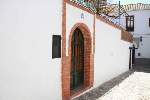 Carmen en El Albayzin La Gran� Granada Featuring free WiFi, Carmen en El Albayzin La Gran? offers accommodation in Granada. Granada Cathedral is 300 metres from the property.  The accommodation has a seating and dining area.