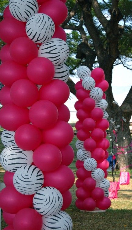 Dsc 1256 zebra print magenta balloons decoration for Balloon decoration instructions