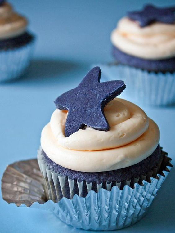 Try These Patriotic Recipes for Your Fourth of July Party (http://blog.hgtv.com/design/2014/07/03/try-these-patriotic-recipes-for-your-fourth-of-july-party/?soc=pinterest): Blue Velvet Cake, Cupcake Recipe, Sprinkle Bake, Cup Cake, Blue Cake, Cupcake Idea, Blue Velvet Cupcakes, Blue Cupcake, Baby Shower