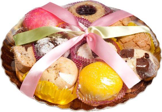 Spring Cookie Platter: Platter includes Lemon Nonna, Almond/Chocolate Nonna, Assorted Jelly, Brutti ma Buoni, Almondine, Pignoli, Wedding, and Almond/Chocolate Biscotti cookies. Contain no preservatives.