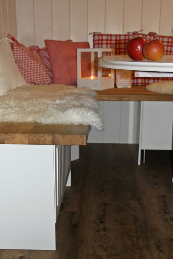 wohnsinnges aus smilabergen die schwedische eckbank ideen rund ums haus pinterest. Black Bedroom Furniture Sets. Home Design Ideas