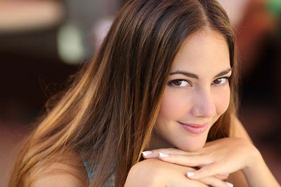 Você cuida da sua pele com produtos de beleza caros? Invista em uma alimentação saudável e deixe a sua pele perfeita gastando pouco.  http://www.eusemfronteiras.com.br/14-alimentos-que-prejudicam-a-pele/