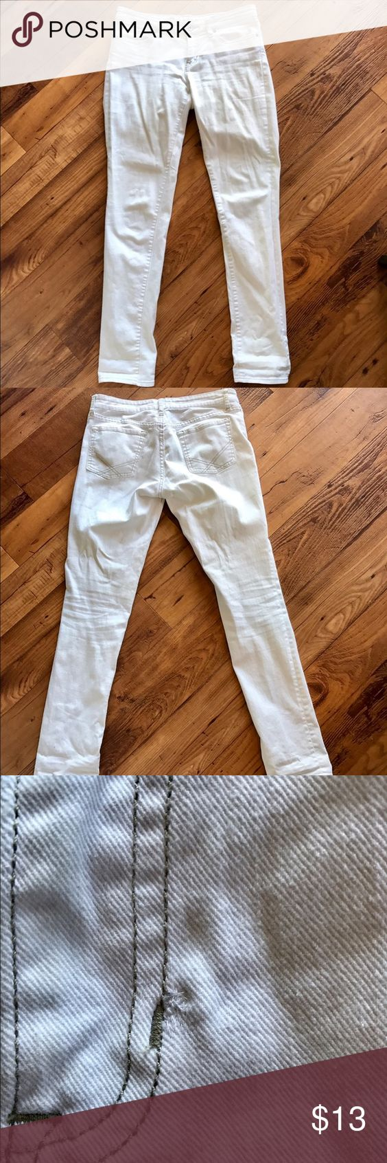 GAP White Skinny Jeans - Size 6