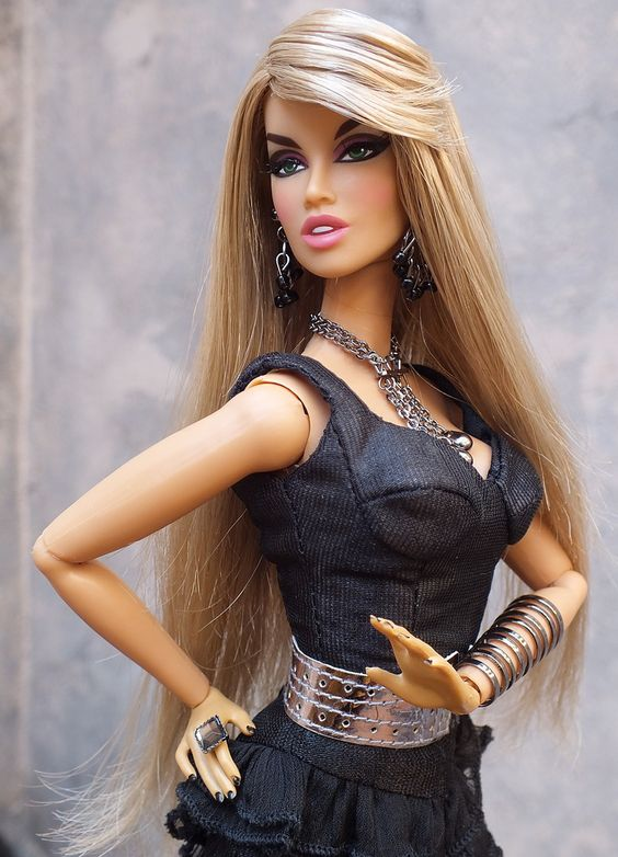 KESENIA LONG COOL WOMAN fashion royalty dolls exclusive | Flickr