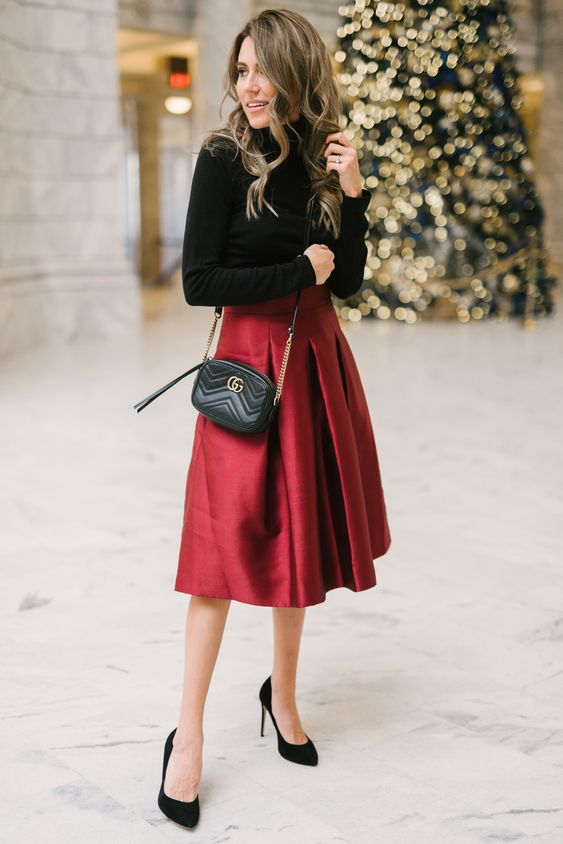 Obsessed with this holiday skirt!