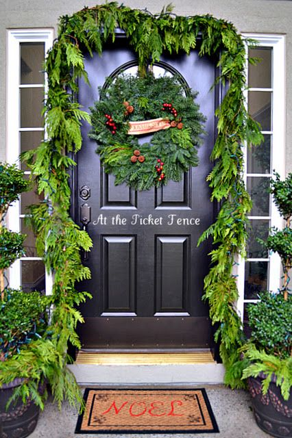 : Christmas Decoration, Front Doors, Christmas Outdoor, Christmas Porch